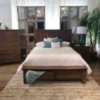 Knotty Alder Bedroom Set
